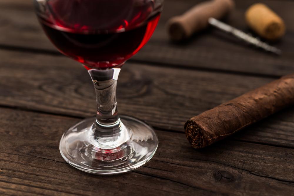Vino, sigari e i loro molteplici punti in comune