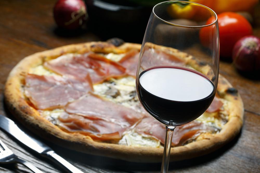 Pizza e vino: gli abbinamenti giusti