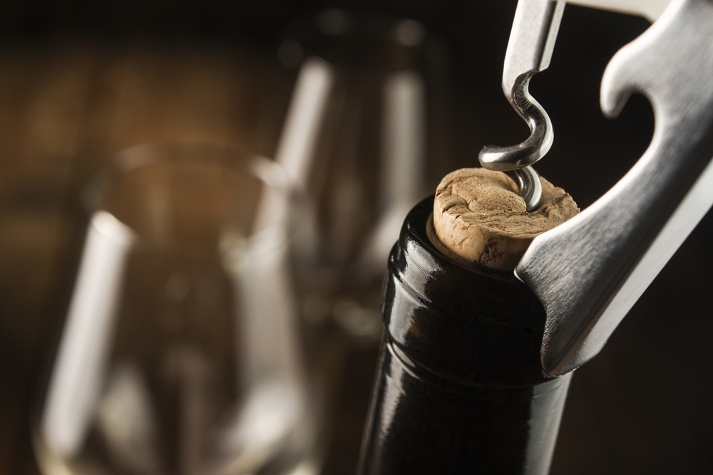 The Golden Rules of Opening a Bottle of Wine