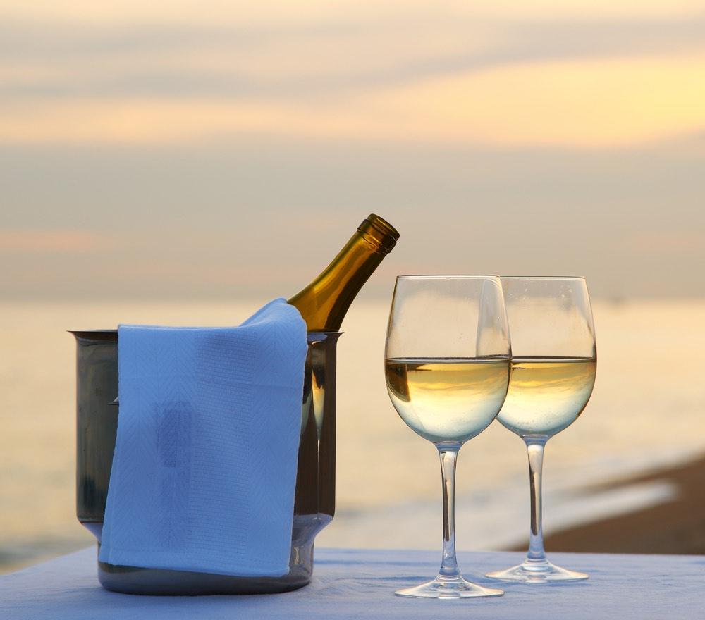 Aperitivo al sole: i vini per godersi l'estate